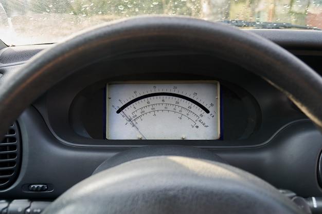Koncepcja samochodu elektrycznego deska rozdzielcza samochodu z amperomierzem elektrycznym