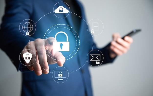 Koncepcja sieci bezpieczeństwa cybernetycznego, sieć ochrony dłoni człowieka z zamkiem