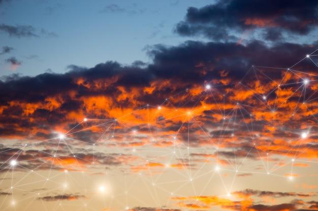 Koncepcja sieci i chmury na niebie