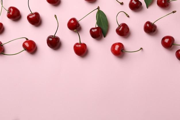Koncepcja Słodkiej Jagody Z Czerwoną Wiśnią Premium Zdjęcia