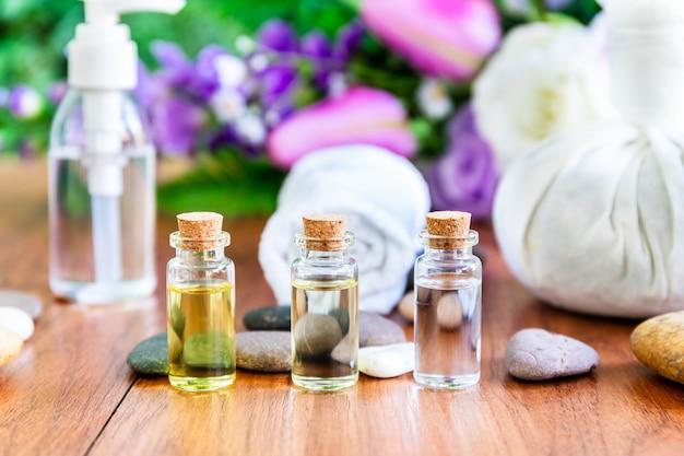 Koncepcja spa olejek eteryczny w butelce