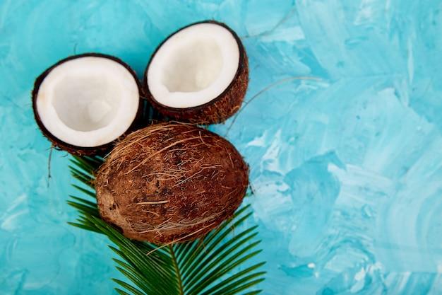 Koncepcja świeżej żywności kokosowej.