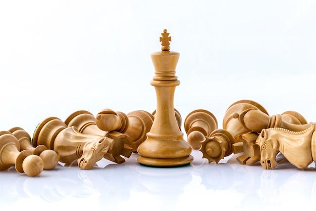 Koncepcja szachowa uratować króla i zapisać strategię.