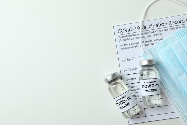 Koncepcja szczepień fiolkami szczepionki covid - 19