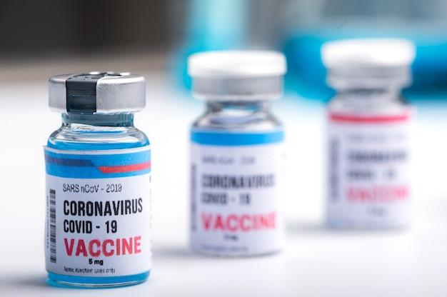 Koncepcja szczepionki przeciwko koronawirusowi covid19, badania medyczne lub laboratorium naukowe, badanie dotyczące wytwarzania szczepionki wirusowej w celu ochrony przed koronawirusem covid-19