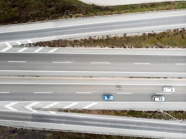 Koncepcja transportu samochodami na mostach