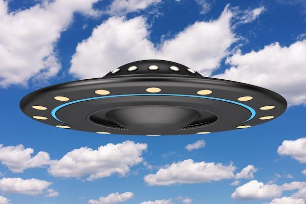 Koncepcja ufo. obcy statek kosmiczny lub latający spodek na tle błękitnego nieba. renderowanie 3d