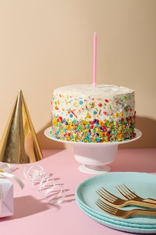 Koncepcja urodzinowa z kapeluszem imprezowym