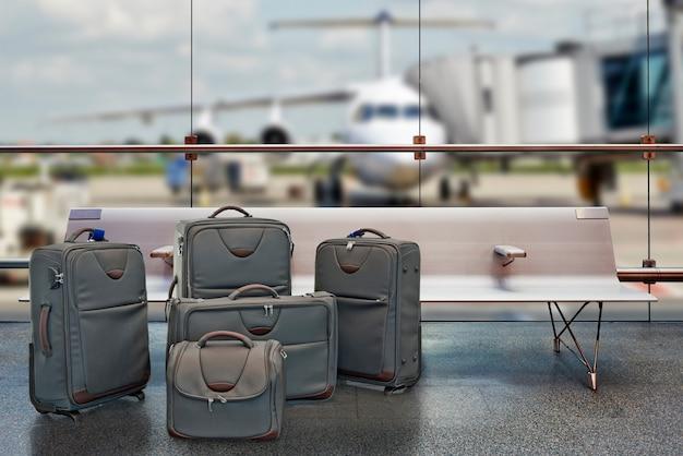 Koncepcja wakacji letnich, terminalu lotniska w poczekalni