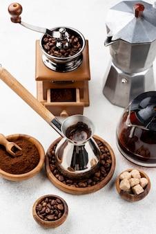 Koncepcja wysokiego kąta kawy