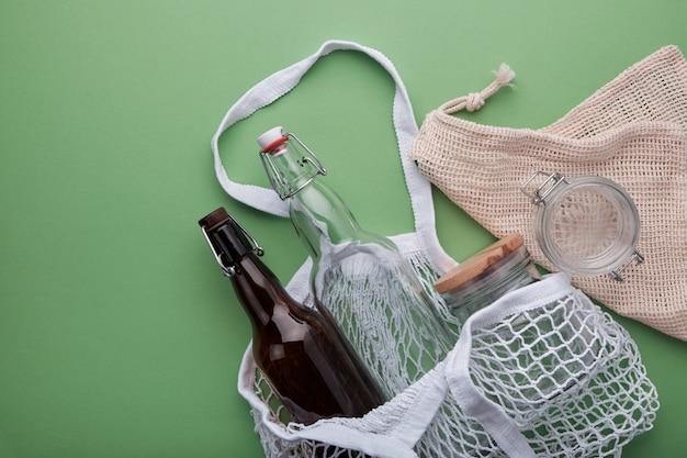 Koncepcja zero zakupów spożywczych. torby bawełniane i wyroby szklane