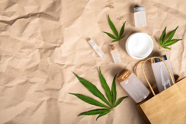 Konopny produkt dla zdrowia, zestaw kosmetyczny z pielęgnacją skóry.