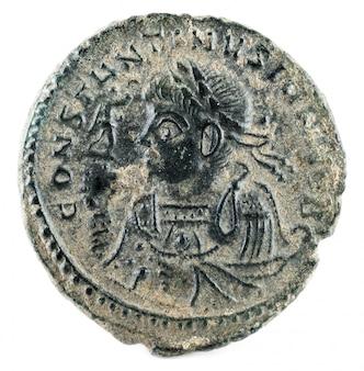 Konstantyn ii - moneta rzymska.
