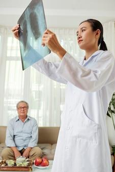 Konsultacja lekarza w domu
