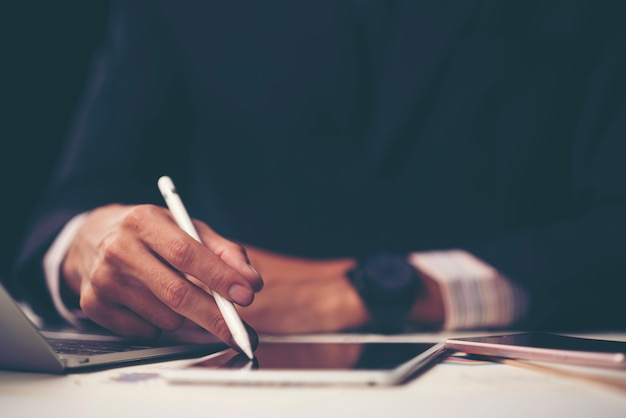 Konsultacje z biznesmenami. do sukcesu w biznesie