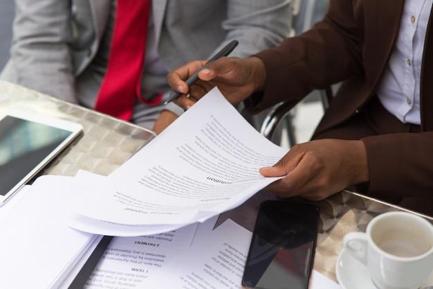 Konsultant prawny biznesmen