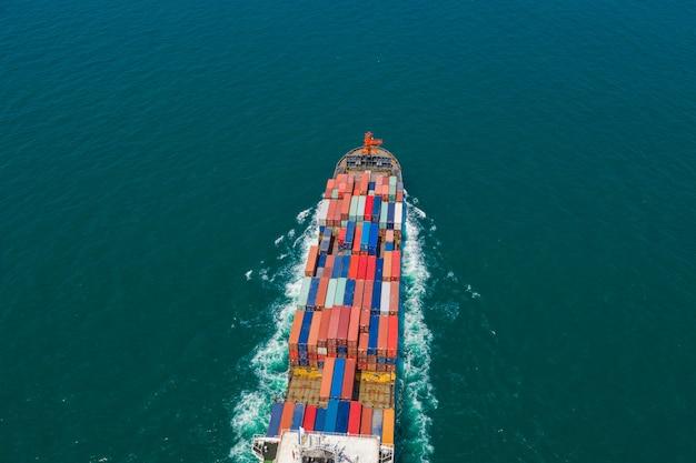 Kontenery wysyłają import i eksport międzynarodowych firm usług transport fracht oceaniczny