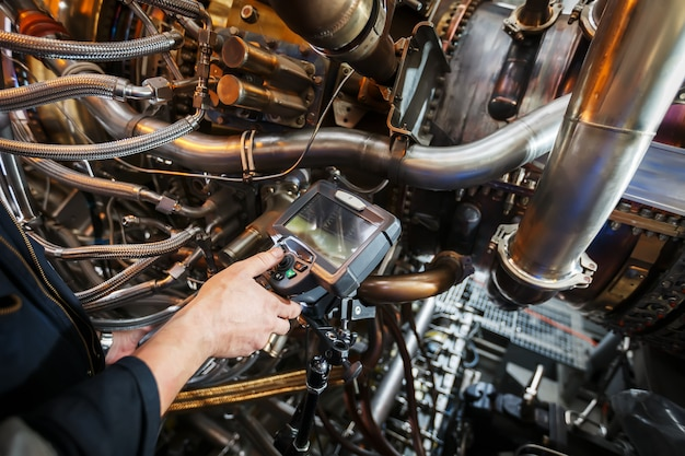 Kontrola silnika turbiny gazowej za pomocą endoskopu wideo
