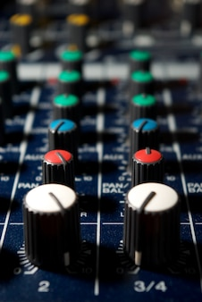 Kontrolery dźwięku