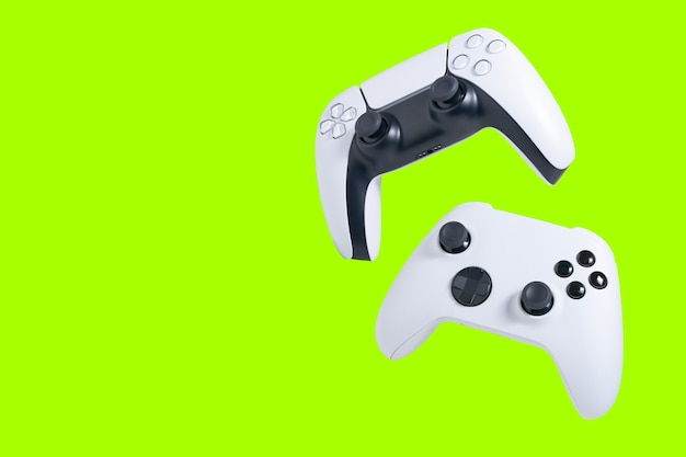Kontrolery gier izolowane z zielonym ekranem do przycinania lub przycinania