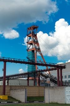 Kopalnia rudy potażu. jedna z kopalń przedsiębiorstwa belaruskali, republika białoruś.