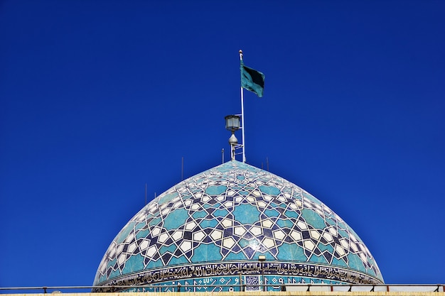 Kopuła imama zadeh jafar mausoleum mirror mosque yazd iran