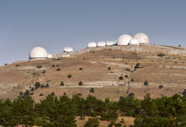 Kopuły radarowe na aipetri