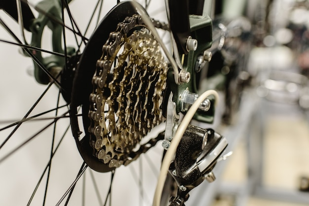 Korona zębata czystego roweru.
