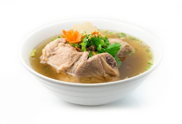 Kość wieprzowa w bezkostnej zupie