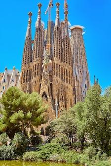 Kościół sagrada familia w barcelonie. kościół świętej rodziny
