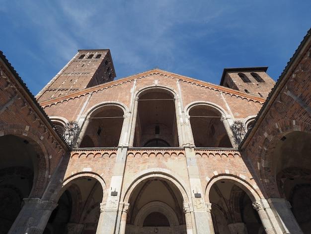 Kościół sant ambrogio w mediolanie