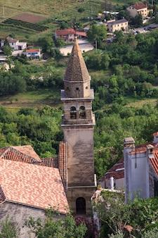 Kościół św. jana chrzciciela i najświętszej maryi panny bramy, motovun