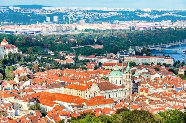 Kościół św mikołaja, panorama pragi, republika czeska