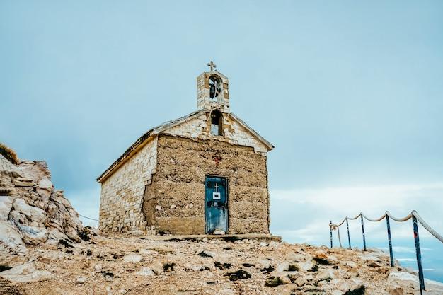 Kościół świętego jerzego w górach biokovo, chorwacja