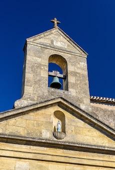 Kościół we wsi rauzan, departament gironde we francji