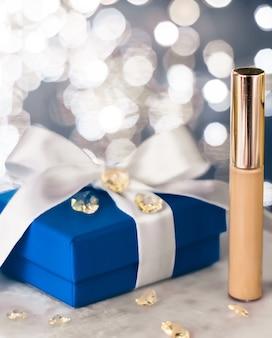 Kosmetyczny branding świąteczny brokat i dziewczęcy pomysł na blog wakacyjny makijaż podkład podkład korektor...