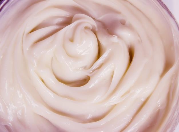 Kosmetyk do twarzy i ciała. tekstura. selektywna ostrość.