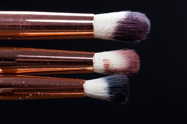 Kosmetyki dekoracyjne do dekoracji twarzy i makijażu