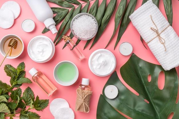 Kosmetyki naturalne leżące na płasko