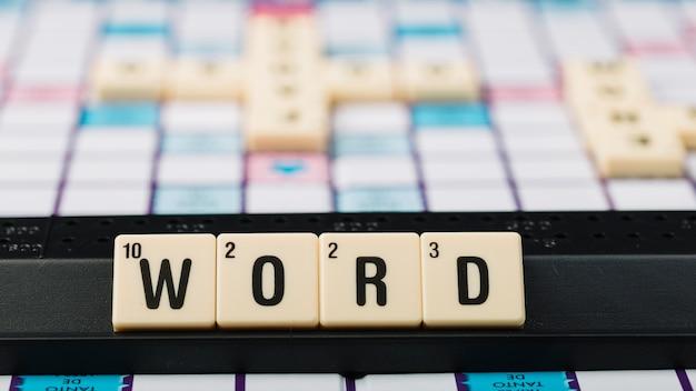 Kostki z napisem słowo na wsparcie