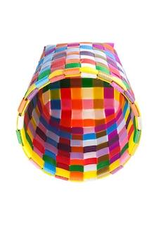 Kosz z recyklingu tkany z kolorowego plastiku