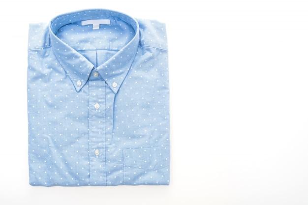 Koszula samodzielnie na białym tle