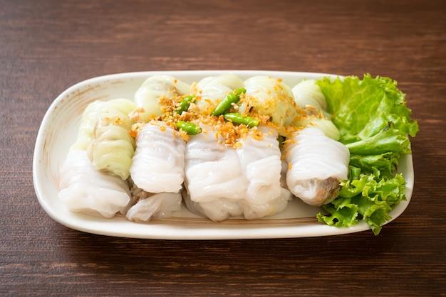 (kow griep pag mor) paczki wieprzowe z ryżem gotowanym na parze lub pierogi ze skórą ryżową na parze