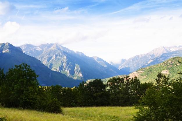 Krajobraz gór pireneje