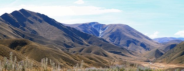 Krajobraz górski lindis pass nowa zelandia panorama