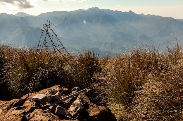 Krajobraz Górski Ze Szczytu Pico Tres Estados (granica 3 Stanów) Premium Zdjęcia
