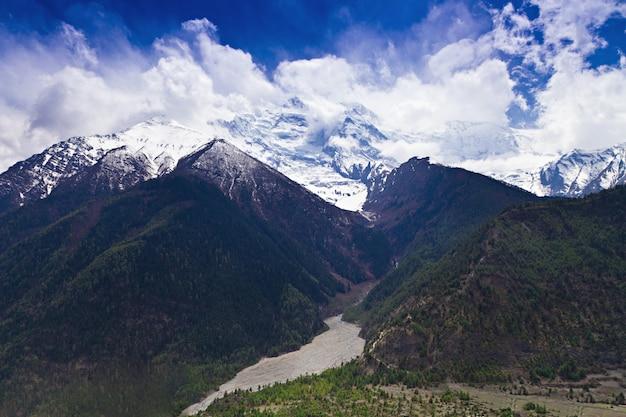 Krajobraz himalajów, nepal