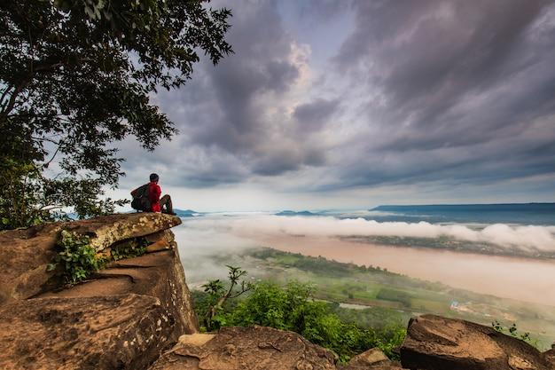 Krajobraz mekong rzeka w granicie tajlandia i laos.