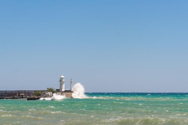 Krajobraz morza burzowego