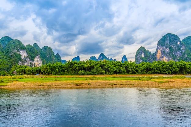 Krajobraz niebieski turystyki wsi piękne